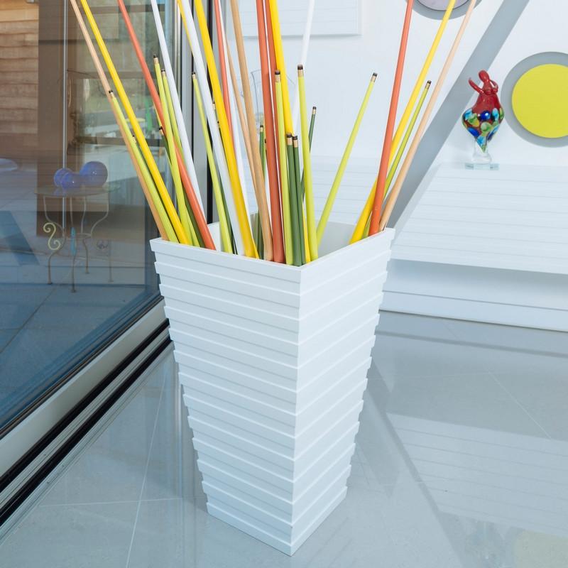 Meuble d'appoint trapèze design, fonctionnel et élégant