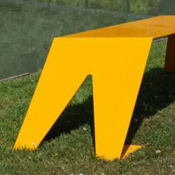 Banc extérieur en métal ludique, coloré et original, couleur jaune