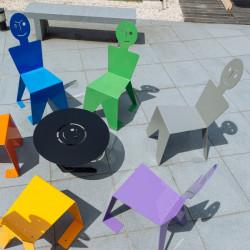 Chaises pour l'extérieur en métal ludiques, colorées et originales