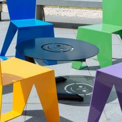 Table basse en métal originale et design pour extérieur ou intérieur