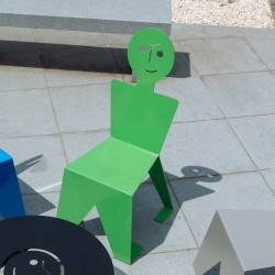 Chaise pour l'extérieur en métal ludique, colorée et originale, couleur vert
